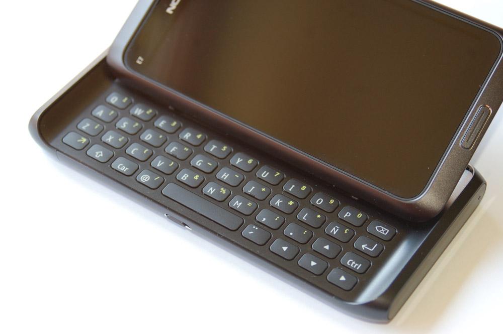 """Nokia & Tech: Review! Nokia 9000 to Nokia E7, """"15 years of ..."""