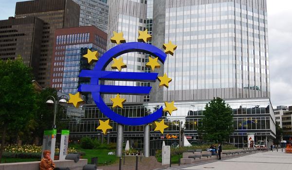 A la imatge, l'edifici del Banc Central Europeu. Imatge d'Eric Chan a Flickr sota llicència Creative Commons