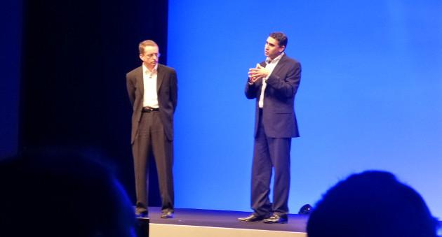 Pat Gelsinger (esquerra, president i CEO) amb Martín Casado (CTO de networking)