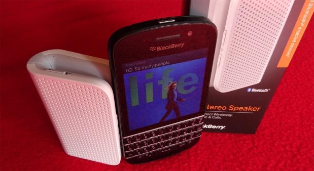 BlackBerry_Q10_mini_stereo_speaker