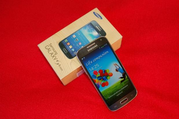Samsung_Galaxy_S4_mini