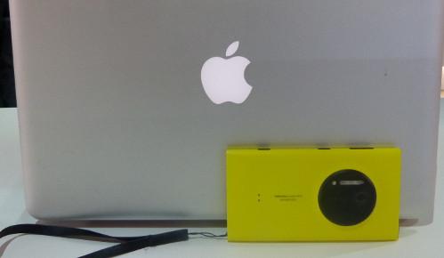 MacBook+Lumia 1020, la combinación elegida mayoritariamente por la prensa