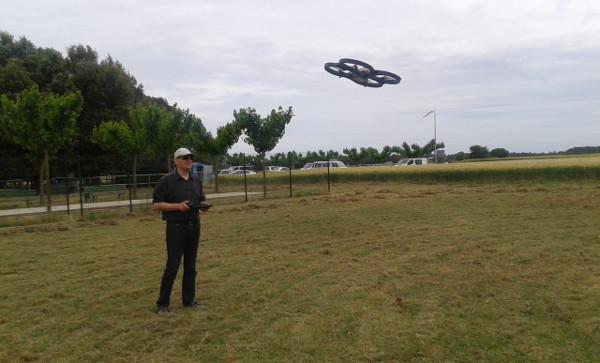 Haciendo volar el Parrot AR.Drone 2.0 en exterior