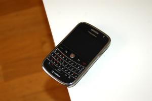 blackBerry_bold_9000_2
